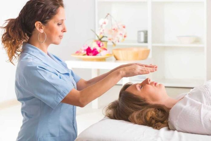 Reiki healing, What Is This Hands-On Healing Method?