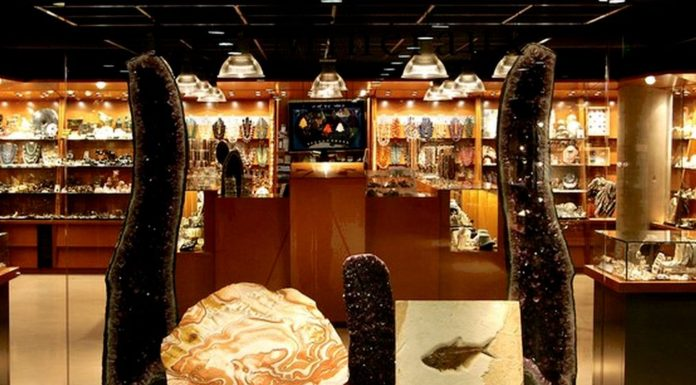 Crystal Shops in Paris and France
